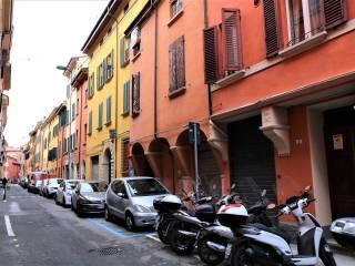 Foto - Bilocale via Arienti, Castiglione - Tribunale, Bologna