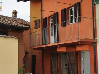 Photo - Single-family townhouse piazza Umberto I, Serralunga d'Alba
