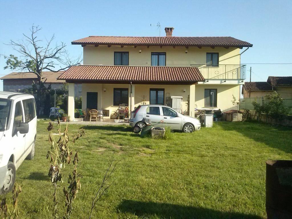 foto esterno Single family villa via Casale, Scalenghe