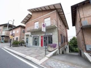 Photo - 3-room flat via Toschi, Baiso