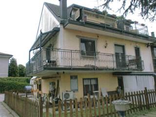 Foto - Quadrilocale via Cavour, 46, Trezzano sul Naviglio