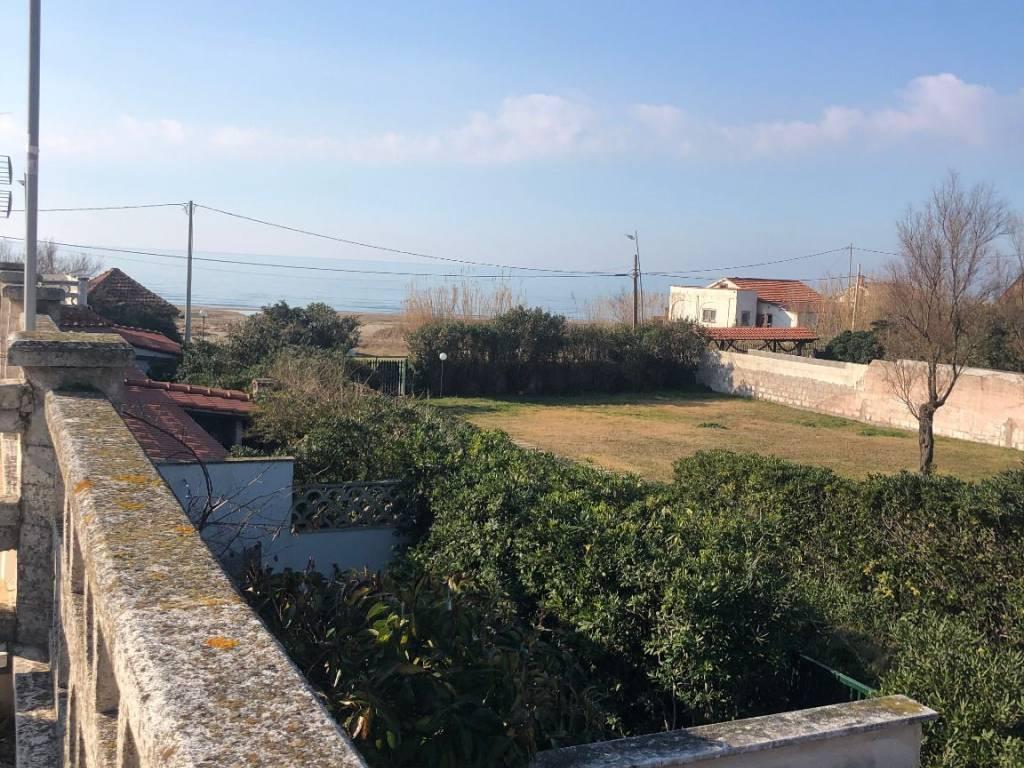 foto TERRAZZO Terraced house via DELLE GARDENIE, 46, Ardea