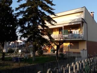 Photo - Two-family villa, good condition, 250 sq.m., Carentino