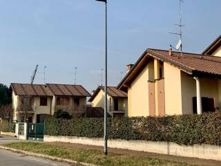 Photo - 3-room flat via Foscolo, Bernate Ticino