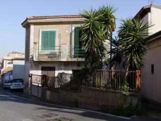 Photo - Building via dell'Acqua Acetosa, Ciampino