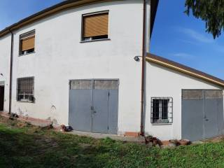 Photo - Two-family villa, to be refurbished, 190 sq.m., San Benedetto Po