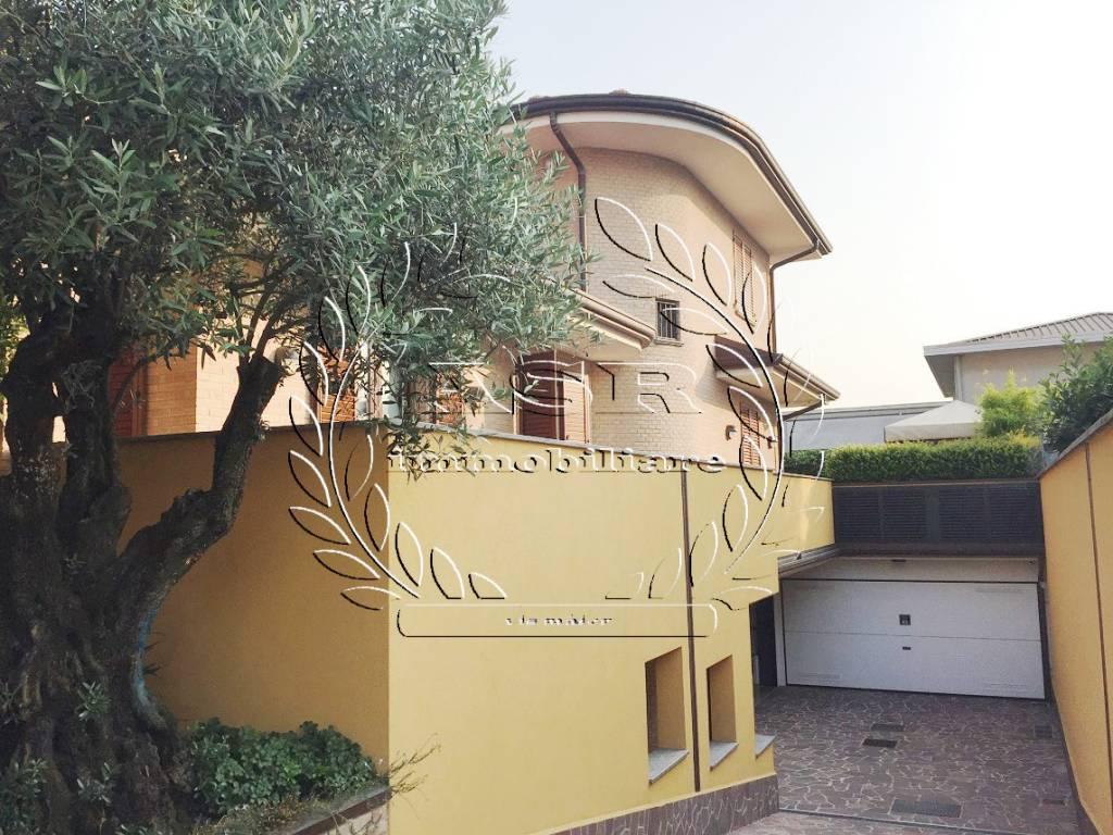 foto  Single family villa via Po, Pregnana Milanese