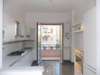 Photo - 3-room flat largo San Francesco da Paola, San Teodoro, Genova
