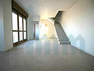 Фотография - Четырехкомнатная квартира via Isonzo, Mariano Comense
