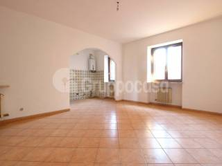 Photo - 3-room flat via Milano, Bernate Ticino