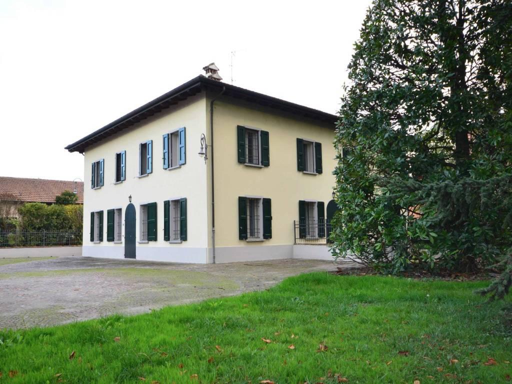 Vendita Villa bifamiliare Zola Predosa. Ottimo stato