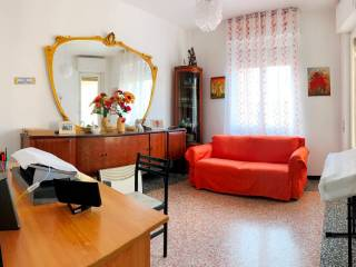 Photo - 3-room flat piazzale Luigi Moroni, Savona
