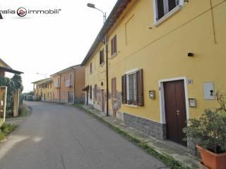 Foto - Trilocale via del Sole 36, Turago Bordone, Giussago