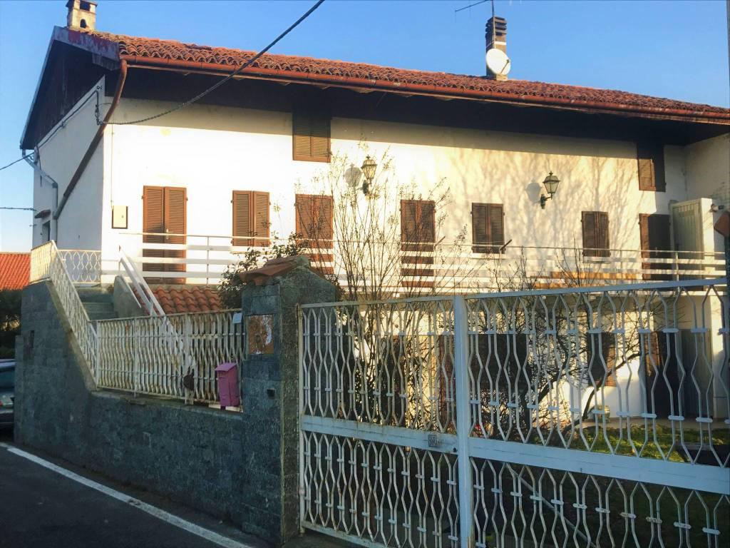 foto  Multi-family townhouse via Boscarina, Azeglio