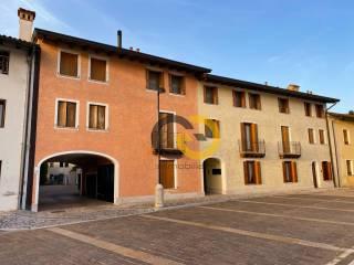 Foto - Trilocale via San Michele 14-B, Valvasone Arzene
