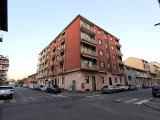 Foto - Trilocale via Camillo Riccio 30, Mirafiori Sud - Strada del Drosso, Torino