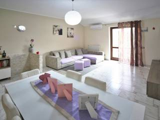Photo - 3-room flat via Trieste 18, Casate, Bernate Ticino