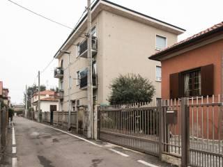 Photo - Multi-family townhouse via Giacomo Puccini 7, Calderara, Paderno Dugnano