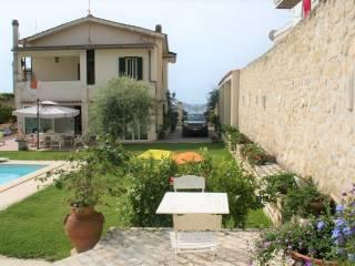 Foto - Villa unifamiliare via Appia Lato Napoli 101, Formia