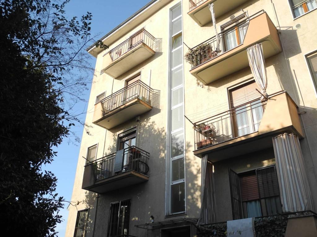 Agenzie Immobiliari Cologno Monzese vendita appartamento cologno monzese. trilocale in via