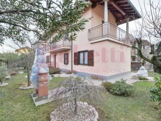 Photo - Single family villa, excellent condition, 225 sq.m., Cantù