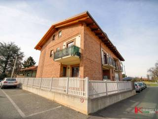 Photo - 3-room flat via Lombardore 137, Leinì