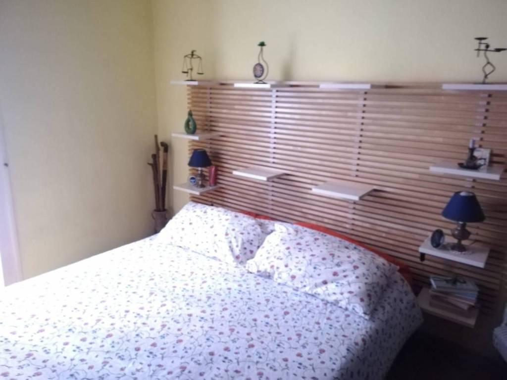 Letto Gigante.Vendita Appartamento Napoli Trilocale In Via Giacinto Gigante