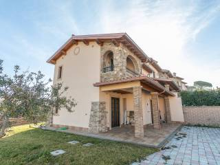 Photo - Two-family villa via di Fontana Candida, 18, Monte Porzio Catone