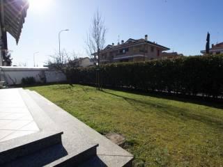 Photo - Terraced house via Leonardo da Vinci, Noviglio