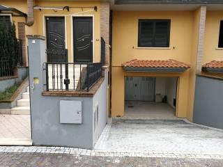 Foto - Appartamento in villa via Padre Romualdo Formato 28, Rotondi