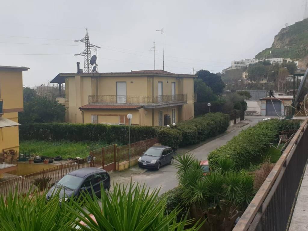 foto  Appartamento in villa via Campana 42, Pozzuoli