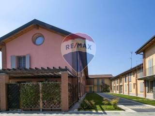 Photo - Terraced house Strada per Riazzolo, 9, Albairate