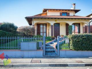 Photo - Two-family villa via Francesco Pionnio, Casorate Primo