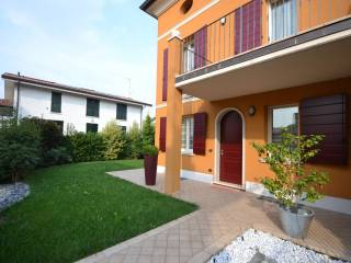 Foto - Casa plurifamiliar, muy buen estado, 229 m², Ghedi