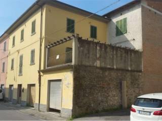 Foto - Appartamento da ristrutturare, Camporgiano