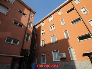 Foto - Bilocale via Ampère, 1, Paderno Dugnano