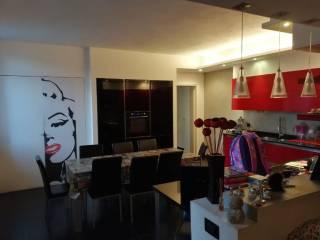 Photo - 3-room flat via Mauro Venegoni, Flora, Legnano