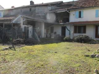 Foto - Casale via Giulio Cesare 5, Vialfrè