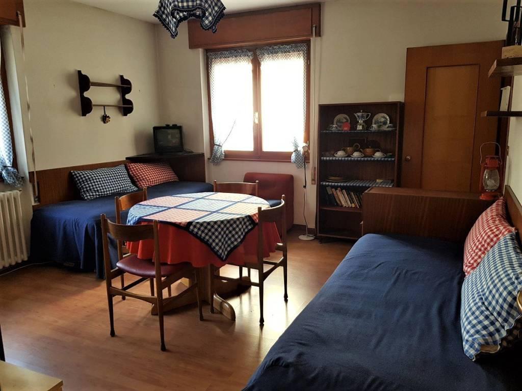 foto Soggiorno 2-room flat piazza Milano 12, Caspoggio
