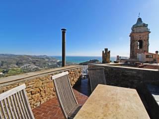 Riviera di Ponente, vendita Rustici e casali al mare ...