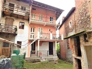 Foto - Villa a schiera 4 locali, da ristrutturare, Lozzolo