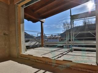 Photo - 4-room flat new, second floor, Chienes