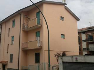 Photo - 3-room flat to be refurbished, top floor, Colleferro