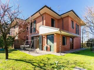 Photo - Two-family villa via Ugo Foscolo 27, Burago di Molgora