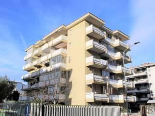 Photo - 3-room flat via Piave 40, Silvi