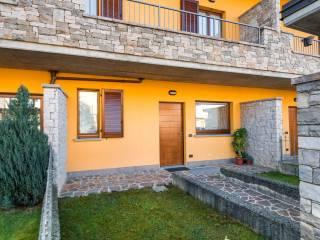 Foto - Villa a schiera via Alessandro Manzoni 18, Barzana