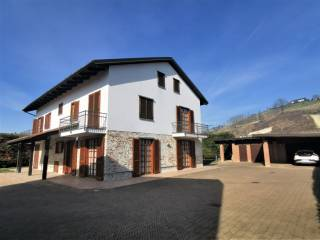 Photo - Multi-family villa Borgo San Martino, Pocapaglia