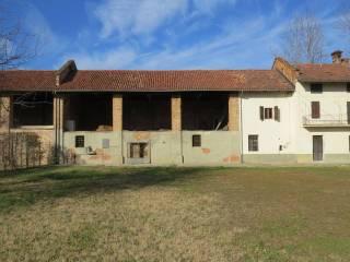 Photo - Farmhouse via San Salvà, Santena