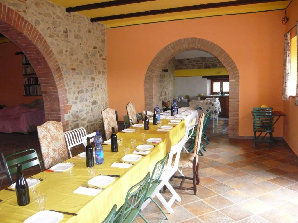 Taverna - VENDESI CASALE IN PIETRA CON PISCINA IN MAREMMA