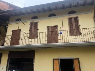 Photo - Building piazza Castello, Palosco